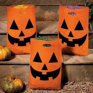 HALLOWEENDECOR partyfavors 031616 300x300 - decoracion de halloween